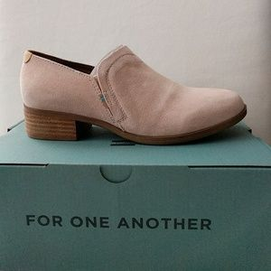 NWT Toms Suede Bootie